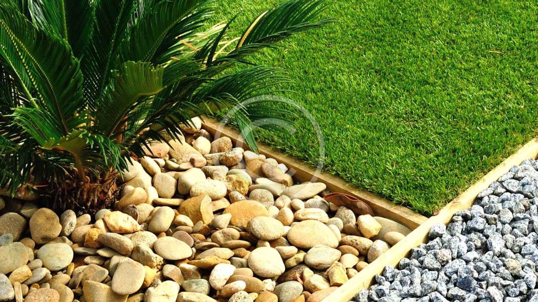 Decorative Stones & Pots